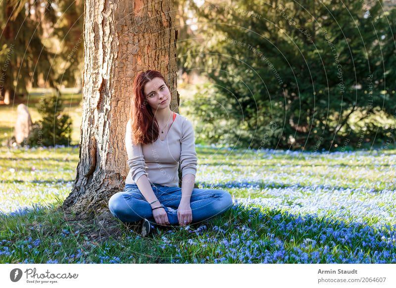 Frühlingsporträt Lifestyle Stil Freude Glück Gesundheit Leben harmonisch Wohlgefühl Zufriedenheit Sinnesorgane Erholung ruhig Meditation Duft feminin Junge Frau