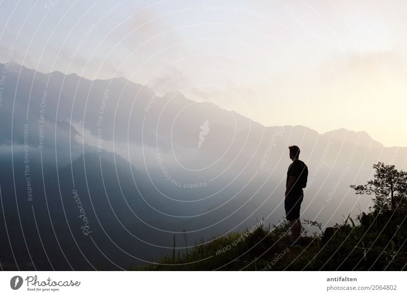 Tempo null Ferien & Urlaub & Reisen Tourismus Ausflug Abenteuer Ferne Freiheit Sightseeing Berge u. Gebirge wandern maskulin Mann Erwachsene Leben Körper 1