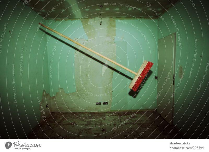 Kartoffelbrei schön Wand Kunst Tür fliegen verrückt ästhetisch Baustelle außergewöhnlich diagonal Fleck Surrealismus Aggression Besen Vignettierung