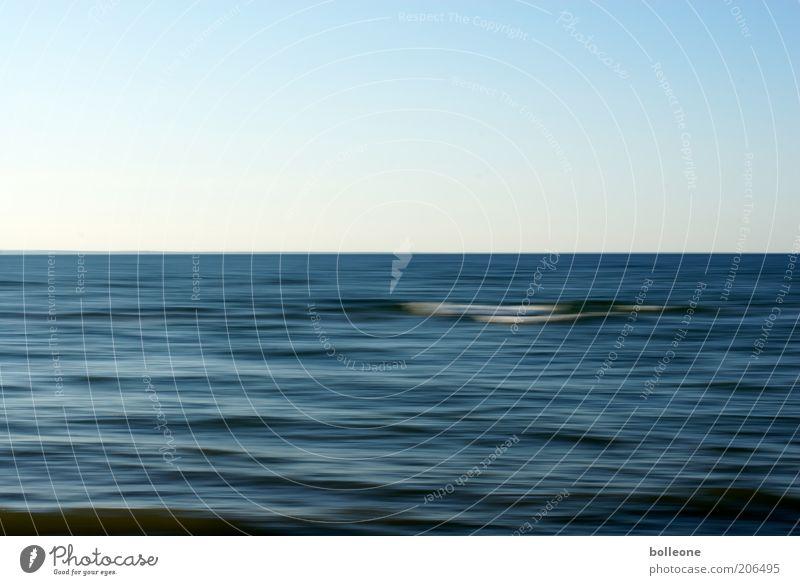 Wisch&Wech VI Natur Wasser Himmel Meer blau Sommer ruhig Einsamkeit Ferne Farbe Wellen Umwelt Horizont ästhetisch Schönes Wetter Wasseroberfläche