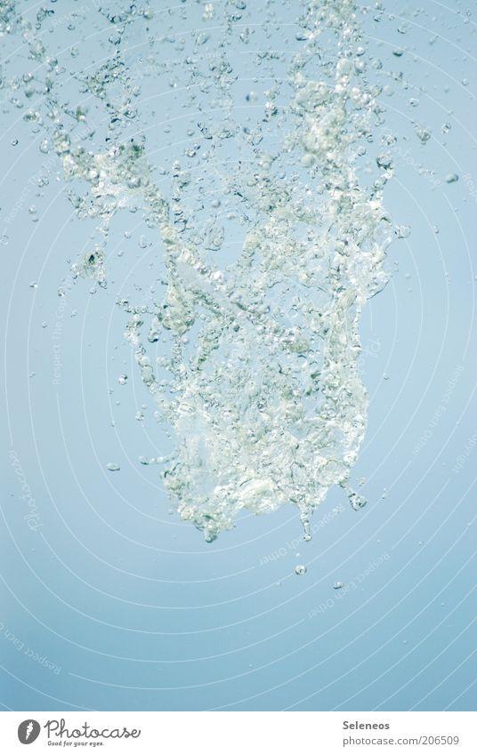 Erfrischung gefällig? Natur Wasser Himmel Sommer kalt Luft Umwelt Wassertropfen Trinkwasser Tropfen Sauberkeit Klarheit Flüssigkeit spritzen
