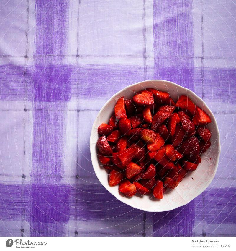 Erdbeeren Linie Muster Schalen & Schüsseln lecker süß Bioprodukte Vogelperspektive voll Obstsalat fruchtig Tisch Gesundheit Gesunde Ernährung vitaminreich