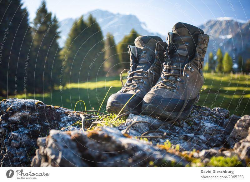 Gutes Schuhwerk Ferien & Urlaub & Reisen Tourismus Ausflug Abenteuer Expedition Berge u. Gebirge wandern Natur Landschaft Wolkenloser Himmel Frühling Sommer