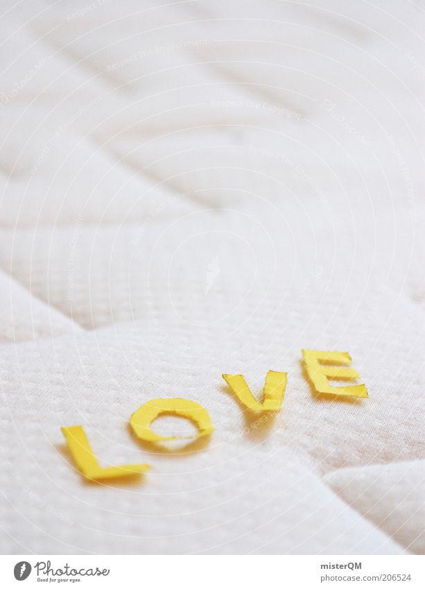 Love. weiß Liebe Gefühle Buchstaben Bett Verliebtheit Frühlingsgefühle Schlafmatratze Liebesbekundung Liebeserklärung Makroaufnahme Liebesleben Leben Möbel