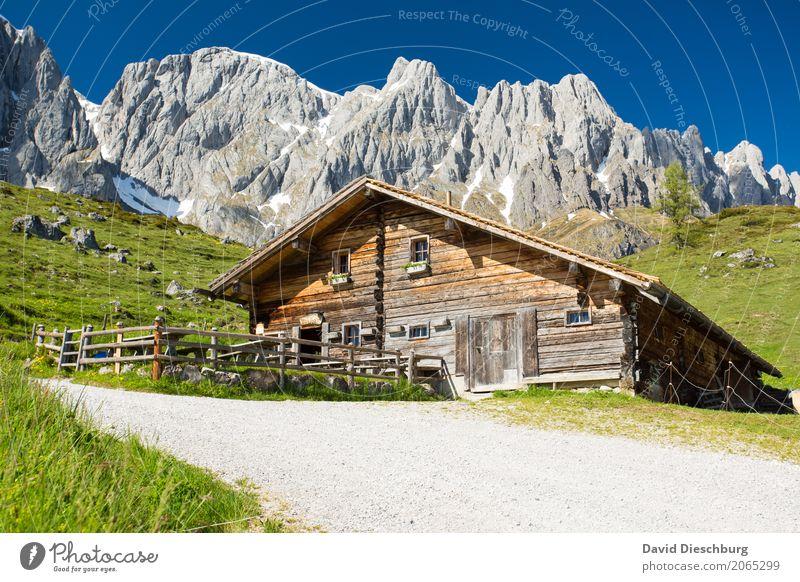 Berghütte ruhig Ferien & Urlaub & Reisen Tourismus Abenteuer Freiheit Sommer Sommerurlaub Berge u. Gebirge wandern Landschaft Wolkenloser Himmel Frühling
