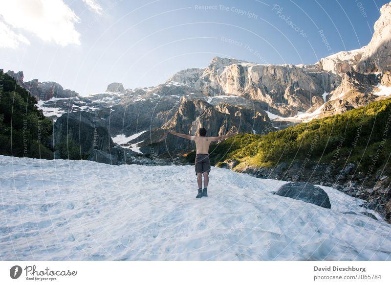 Abkühlung Mensch Himmel Natur Ferien & Urlaub & Reisen Jugendliche nackt Sommer Landschaft Erholung Ferne Winter 18-30 Jahre Berge u. Gebirge Erwachsene