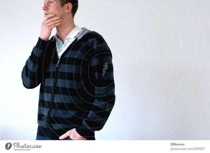 Die Gedanken sind frei, ... Mensch Mann Jugendliche weiß ruhig Erwachsene Denken warten maskulin stehen Körperhaltung nachdenklich beobachten 18-30 Jahre Student verträumt
