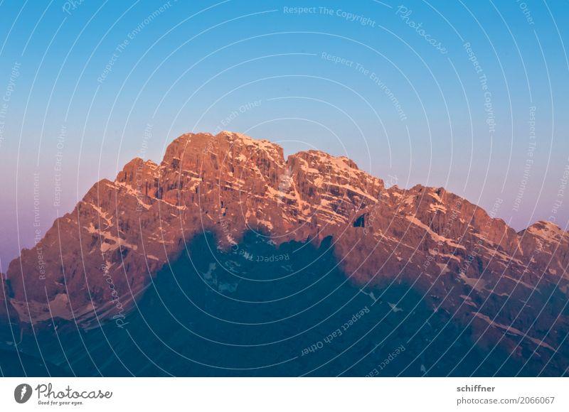 Glühschatten blau Landschaft rot Berge u. Gebirge Umwelt Schnee Felsen rosa orange Schönes Wetter Gipfel Schneebedeckte Gipfel Alpen Wolkenloser Himmel glühen