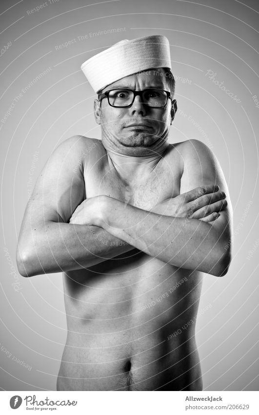 nackt-maat maskulin Junger Mann Jugendliche Körper 1 Mensch 30-45 Jahre Erwachsene Brille Hut brünett kurzhaarig nerdig grau Scham Hemmung Unglaube verstört