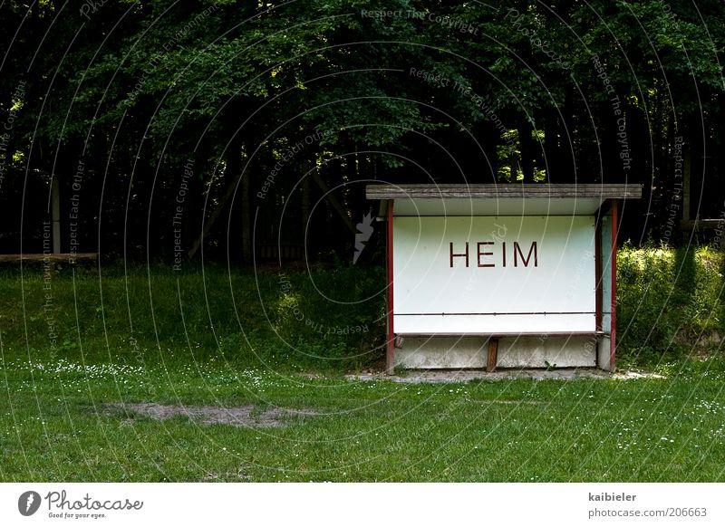 Heimspiel grün Sport Schilder & Markierungen retro Bank Schriftzeichen früher Heimat heimwärts Fußballplatz Wetterschutz Heimweh Sportplatz Ballsport heimelig