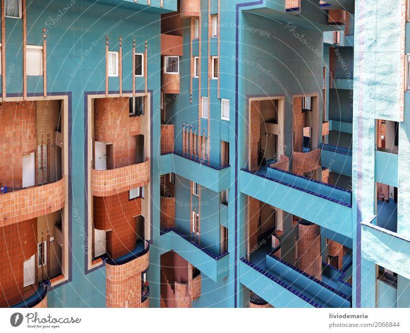 blau Stadt Haus Architektur Wand Gebäude Mauer Design Wohnung Häusliches Leben ästhetisch Beton Brücke Turm Wohnhaus Balkon