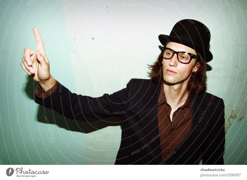 Schnapszahl Mensch Mann Jugendliche Stil Mode Erwachsene maskulin elegant Erfolg Lifestyle Brille Hut aufwärts Karriere zeigen Beruf