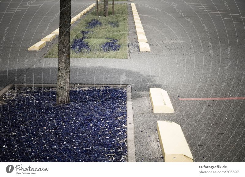 Blueglass-Country Verkehr Verkehrswege Straßenverkehr Wege & Pfade Parkplatz Parkplatzmarkierung Beton Glas Zeichen Schilder & Markierungen Asphalt eckig blau