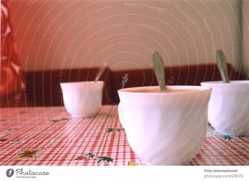Kaffeeklatsch Tisch Kitsch Sofa Tasse rustikal Kaffeetisch