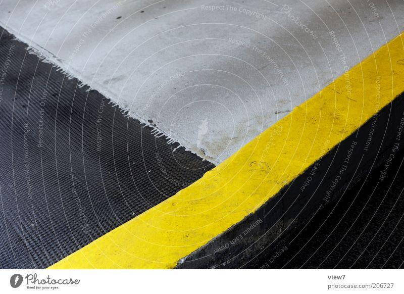 """Border=""""#FFFF00"""" Zeichen Linie Streifen authentisch einfach modern gelb Farbe Ordnung Perspektive Markierungslinie Warnung Hinweis Ecke Bodenbelag Farbfoto"""