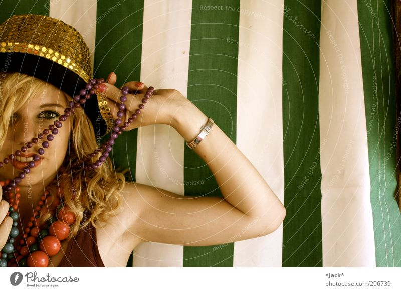 Bunt Mensch schön weiß grün Freude gelb Farbe feminin Glück blond rosa gold Fröhlichkeit ästhetisch violett dünn