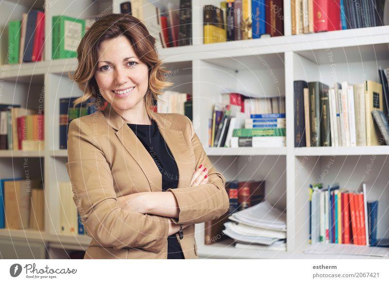 Mensch Frau Jugendliche Junge Frau schön Freude Erwachsene Lifestyle feminin Business Arbeit & Erwerbstätigkeit Büro Erfolg Kreativität Lächeln Fitness