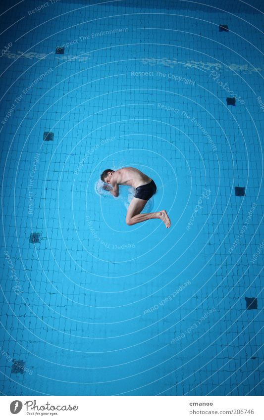 Wasserlage Lifestyle Freude Leben Schwimmen & Baden Sport Wassersport Sportler tauchen Schwimmbad Mensch maskulin Junger Mann Jugendliche 1 18-30 Jahre