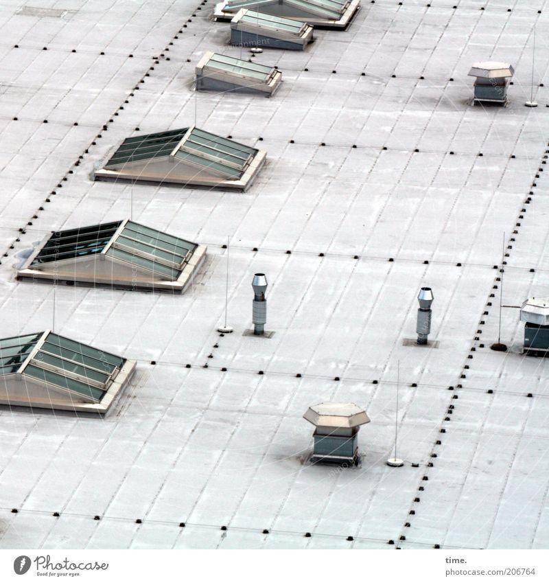 [H10.1] - Dachterrasse Fenster Glas Metall oben Niete Lüftung Abluft Lüftungsschacht Oberlicht Anordnung Funktionalismus Blech Metallwaren Chrom Außenaufnahme