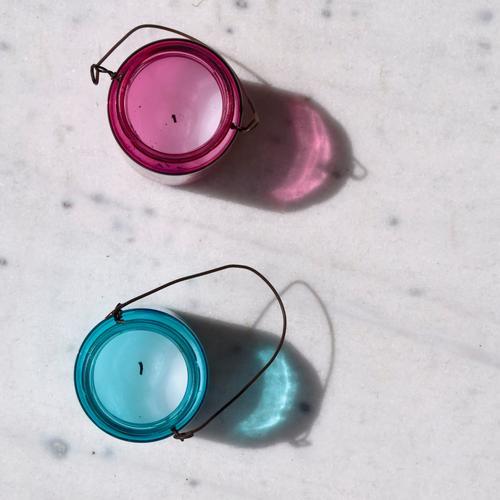 Zwei Glas rosa maskulin Dekoration & Verzierung leuchten paarweise rund Kerze Klischee blau Tragegriff Teelicht durchleuchtet Kerzenständer babyblau