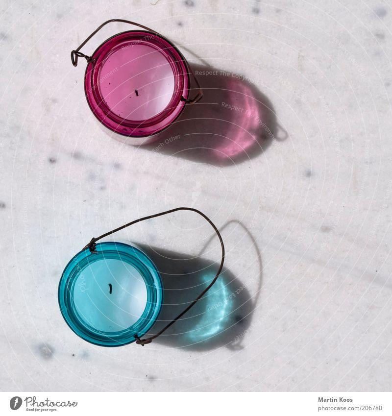 Zwei Kerze Kerzenständer Dekoration & Verzierung 2 babyblau rosa Klischee maskulin Tragegriff leuchten Teelicht rund Mädchenfarbe Jungenfarbe Farbfoto
