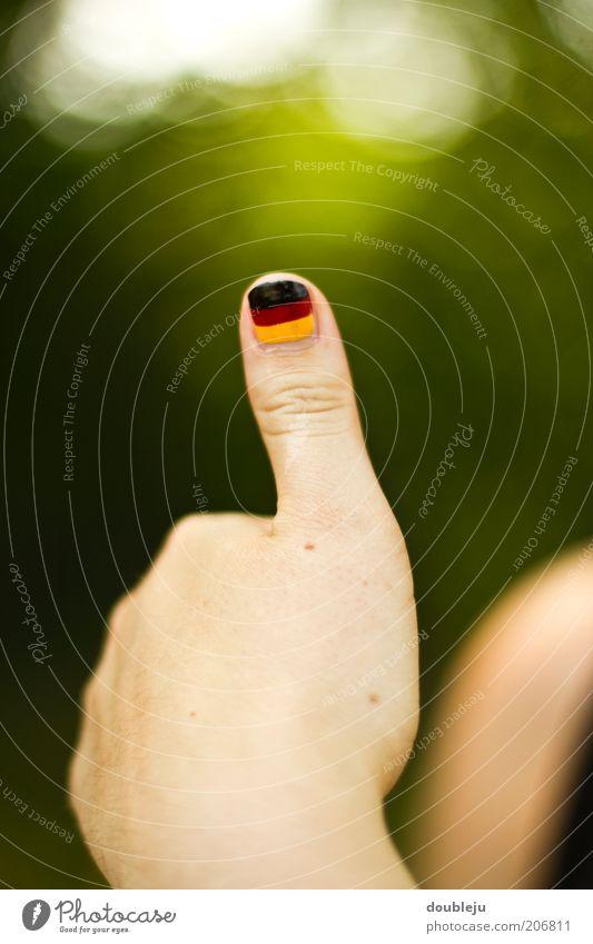 deutschland daumen Weltmeisterschaft Europameisterschaft Daumen schwarz rot gelb gold Fan Hand grün positiv gewinnen Erfolg Farbe Nationalitäten u. Ethnien
