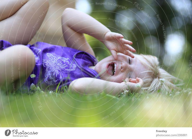 Hahaha... 300, das glaubt dir doch keiner!!! Mensch Kind Mädchen Freude Gesicht Leben Spielen Bewegung lachen lustig Kindheit Gesundheit blond Arme wild