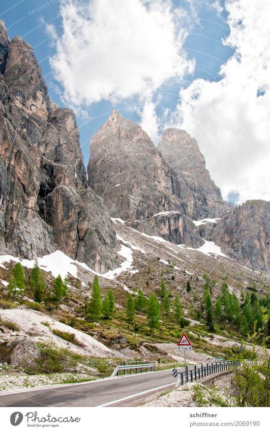 Torri del Sella Natur Baum Landschaft Wolken Berge u. Gebirge Straße Umwelt außergewöhnlich Felsen Schönes Wetter Gipfel Sicherheit Alpen Felsspalten Felswand