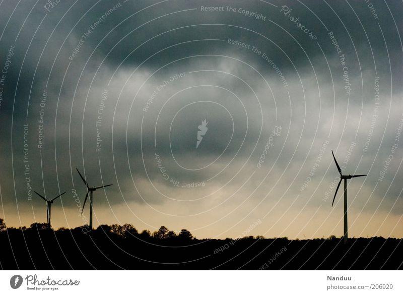 Energie Himmel Wolken Landschaft Wind Energie Windkraftanlage ökologisch Abenddämmerung flach umweltfreundlich Wolkenhimmel Erneuerbare Energie Ostfriesland Wolkendecke