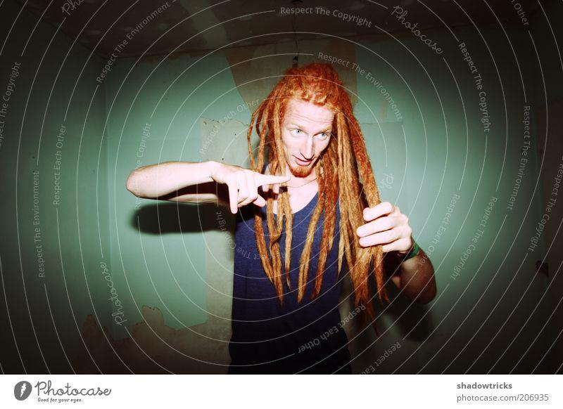 Dreadlocks Lifestyle Stil exotisch maskulin Junger Mann Jugendliche Erwachsene 1 Mensch 18-30 Jahre rothaarig langhaarig Rastalocken Afro-Look Bart Behaarung
