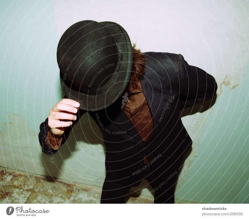 Hut ab! Mensch Mann Jugendliche Erwachsene Stil elegant Design Erfolg Lifestyle Bekleidung Hilfsbereitschaft Coolness Hut trendy Begrüßung altmodisch