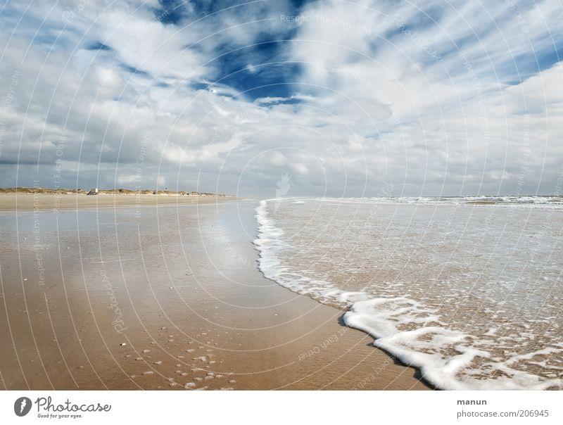 Auflauf Ferien & Urlaub & Reisen Tourismus Ferne Freiheit Sommer Sommerurlaub Natur Landschaft Wolken Klima Wetter Wind Wellen Küste Strand Nordsee Meer