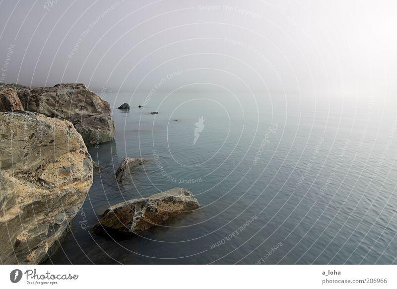 a fairytale Natur Wasser Himmel Ferien & Urlaub & Reisen Einsamkeit Ferne träumen Stein See Landschaft Zufriedenheit Küste glänzend Nebel nass Felsen