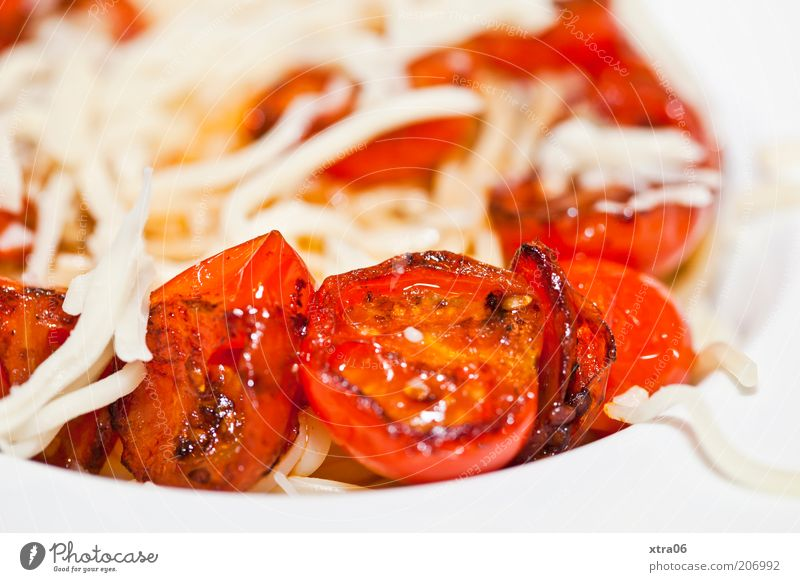 mein abendessen gestern... Lebensmittel Ernährung Italienische Küche Teller lecker Appetit & Hunger Tomate Nudeln Spaghetti Käse Speise Farbfoto Innenaufnahme