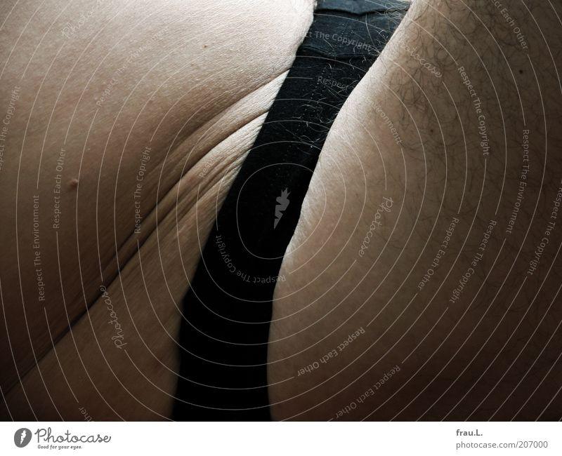 Slip + Bauch ruhig Mensch maskulin 1 45-60 Jahre Erwachsene Unterwäsche sitzen Wärme weich Senior Hautfalten Oberschenkel Unterhose Farbfoto Nahaufnahme Leiste
