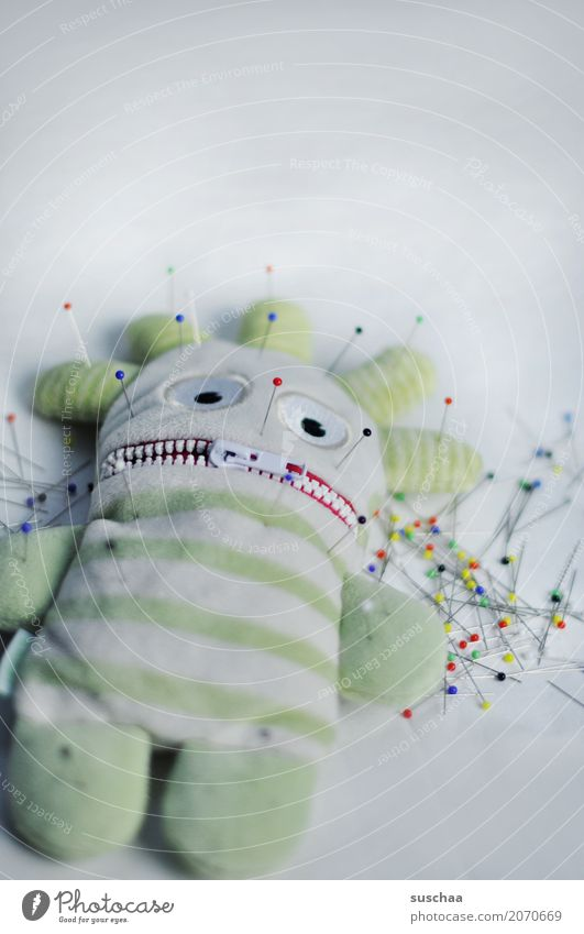 genadelt Puppe Heilung Handarbeit Nadel Stecknadel Verhext Stofftiere Akupunktur Voodoo