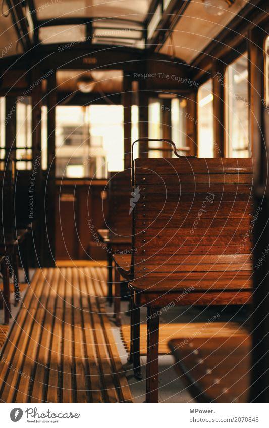 alte tram Verkehr Verkehrsmittel Personenverkehr Öffentlicher Personennahverkehr Bahnfahren Eisenbahn Personenzug S-Bahn Straßenbahn Schienenfahrzeug Bahnhof