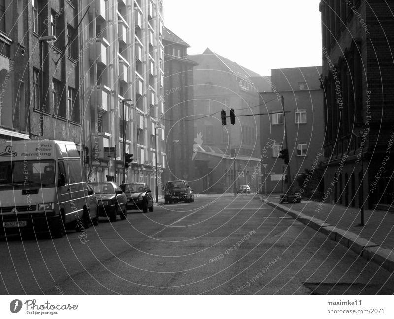 Berlin, Mitte, 8:02 AM Straße
