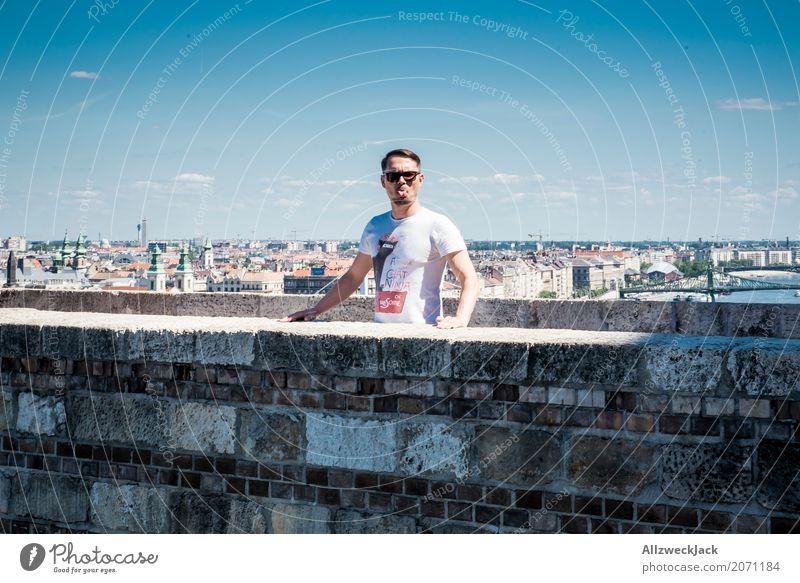 Bäh! Mensch Ferien & Urlaub & Reisen Jugendliche Sommer Freude 18-30 Jahre Erwachsene Tourismus Ausflug maskulin einzigartig Lebensfreude Coolness Skyline