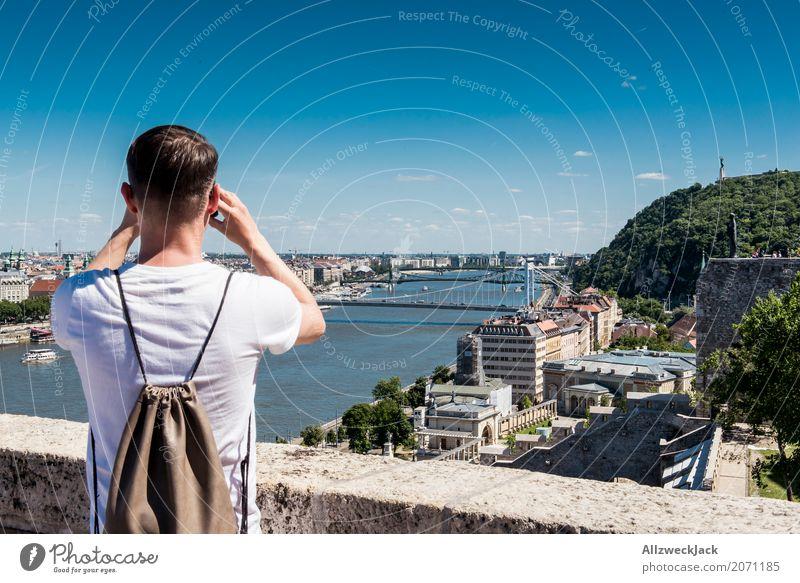 watching 2 Mensch Ferien & Urlaub & Reisen Jugendliche Mann Junger Mann 18-30 Jahre Erwachsene Tourismus Ausflug maskulin beobachten Sehenswürdigkeit Skyline