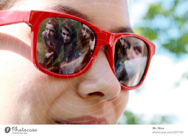 fünf Mensch Jugendliche schön rot Sommer feminin Freundschaft Haut Nase Fröhlichkeit mehrere nah Brille 5 Symbole & Metaphern