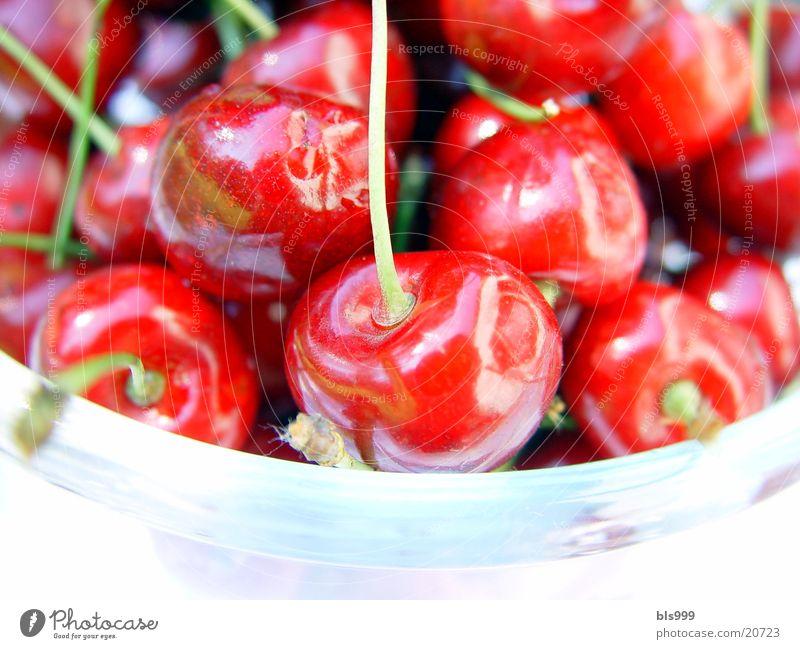 Kirschenzeit rot Sommer Gesundheit Frucht Kirsche gepflückt