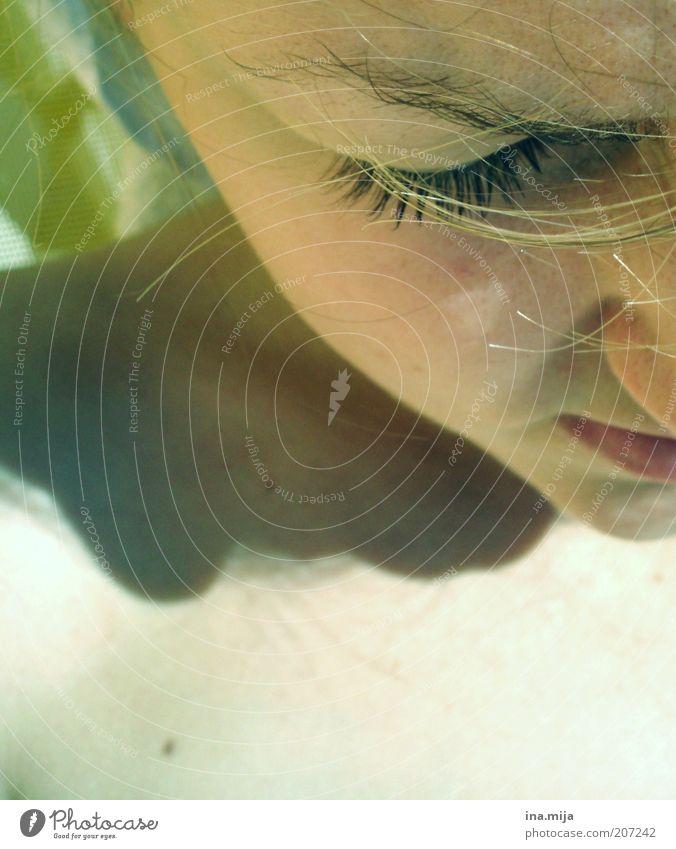 sonnenbad Mensch Jugendliche grün Sommer Einsamkeit ruhig Junge Frau Haare & Frisuren Traurigkeit Denken blond Haut Sonnenbad Müdigkeit Verzweiflung Scham