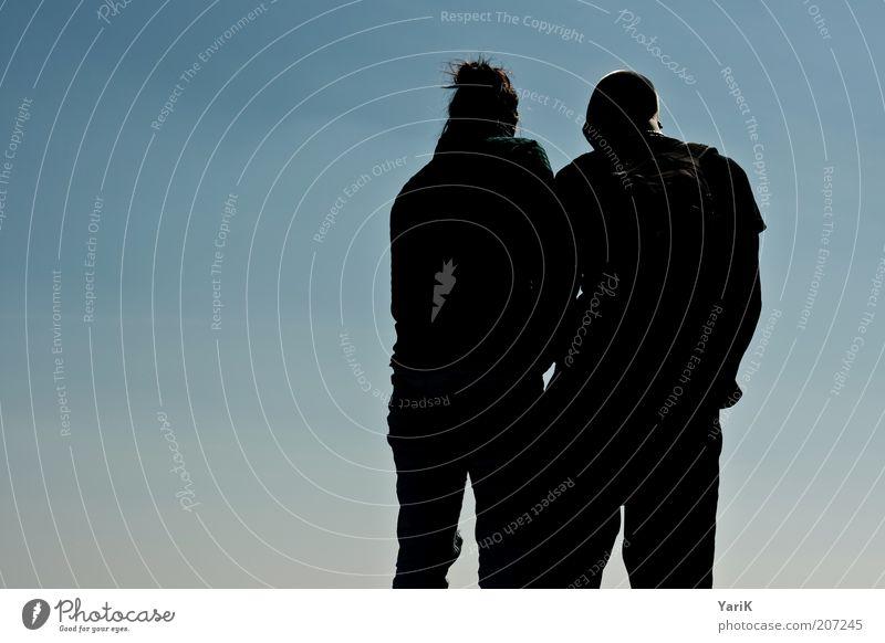 sichtweise Mensch Frau Himmel Mann Jugendliche blau schwarz Erwachsene Liebe Glück Paar Zusammensein maskulin Zukunft Hoffnung 18-30 Jahre
