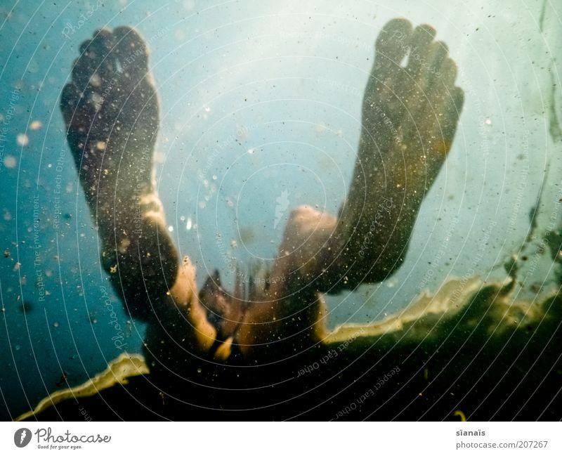 rumhäng`n Mensch Mann Natur Wasser Sommer Ferien & Urlaub & Reisen ruhig Leben Erholung Fuß See Beine Erwachsene maskulin sitzen