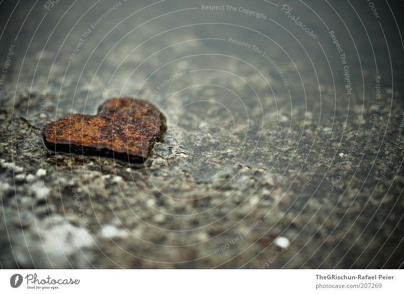 Eisernes Herz schön Liebe Glück grau Zufriedenheit braun Metall Romantik Stahl Rost verloren Verliebtheit Detailaufnahme herzförmig