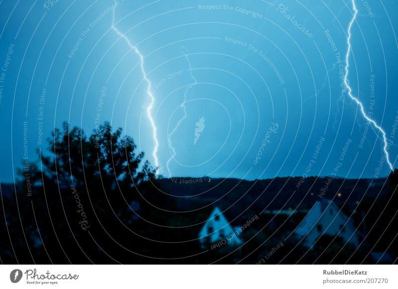 """""""Disco"""" Natur Himmel blau schwarz Landschaft Wetter Umwelt Elektrizität bedrohlich Klima Nachthimmel fantastisch Blitze Gewitter Unwetter bizarr"""
