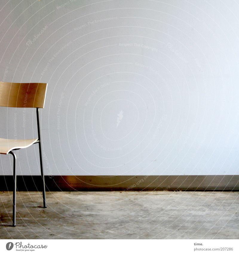[H10.1] - time for a rest Design Möbel Stuhl Mauer Wand Holz Metall Stahl außergewöhnlich dünn eckig frei Billig einzigartig kalt Sitzgelegenheit Stuhlbein