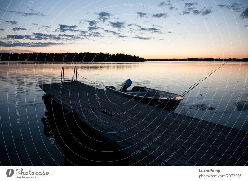 Noch mal raus Steg Wolken Abenddämmerung Wetter Fischer Angeln Wasserfahrzeug Angelrute Schäre Ferien & Urlaub & Reisen Reflexion & Spiegelung Einsamkeit