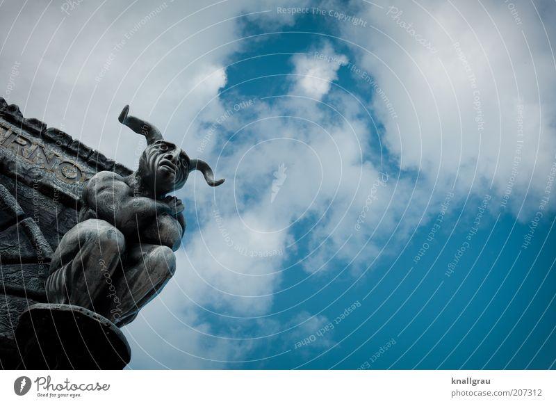 Wächter Stein Angst Schutz Schwäche Himmel Wolken Statue Kontrolle Gesetze und Verordnungen Fantasygeschichte Torhüter grimmig Blick Horn Hölle gruselig